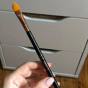 Sigma concealer brush